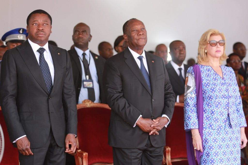 Le Président de la République SEM Faure Essozimna Gnassingbé a assisté aux côtés de son homologue ivoirien SEM Alassane Ouattara, ce samedi 14 mars 2020 à Yamoussokro, aux cérémonies du dernier hommage à feu Charles Koffi Diby, ancien président du Conseil économique social, environnemental et culturel de la Côte d'Ivoire, rappelé à Dieu le 7 décembre dernier à l'âge de 62 ans.